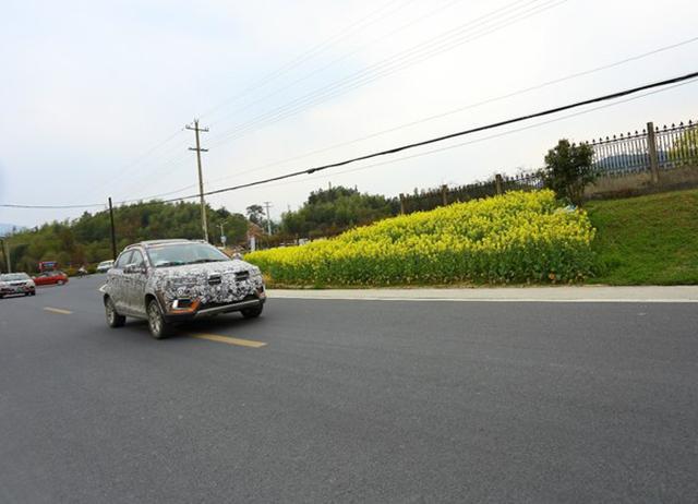 奇瑞小型SUV瑞虎3X谍照曝光