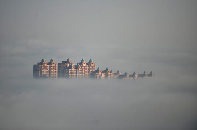 雾霾之美? 河北有座童话城市