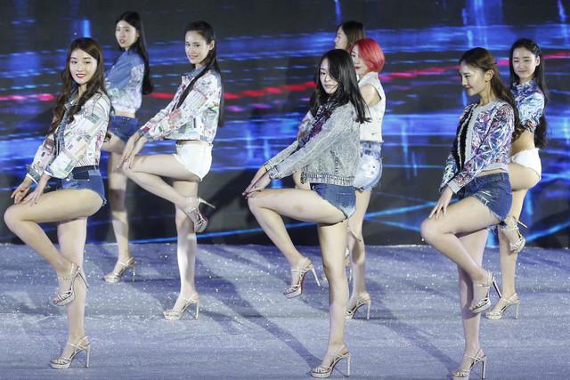 中国模特儿选拔赛 白皙美腿不输韩星