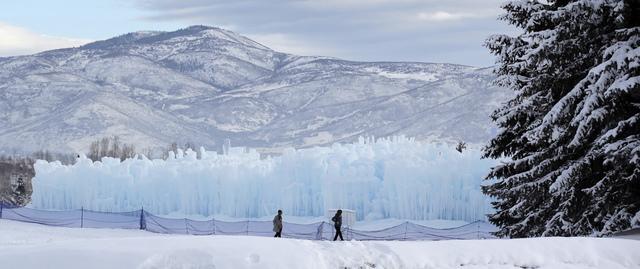 美梦幻冰城堡 数十万冰柱组成