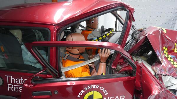 """▲""""欧洲撞测单位""""成立20年 拯救7.8万条人命怎办到?(图/翻摄自Euro NCAP)"""