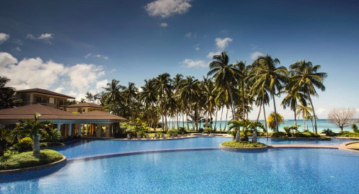 长滩岛五星酒店新开幕!3千平方公尺多层式泳池尽情放空