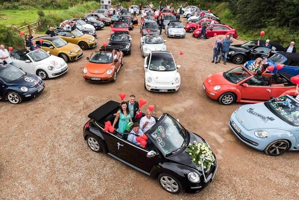 """720辆老中青""""金龟""""大集结 福斯Beetle车聚派对嗨翻天(图/翻摄自Volkswagen)"""