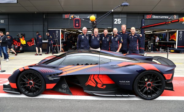 """▲最速公路超跑!Aston Martin Valkyrie""""女武神""""首次动态展演。(图/翻摄自Aston Martin)"""